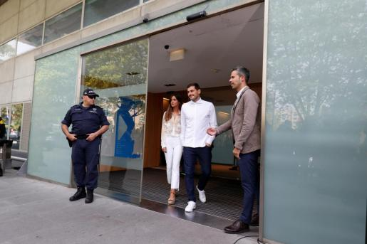 Iker Casillas abandona el hospital de Oporto