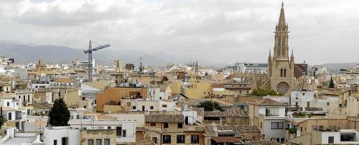Comienza el decrecimiento turístico con la baja definitiva de 5.439 plazas