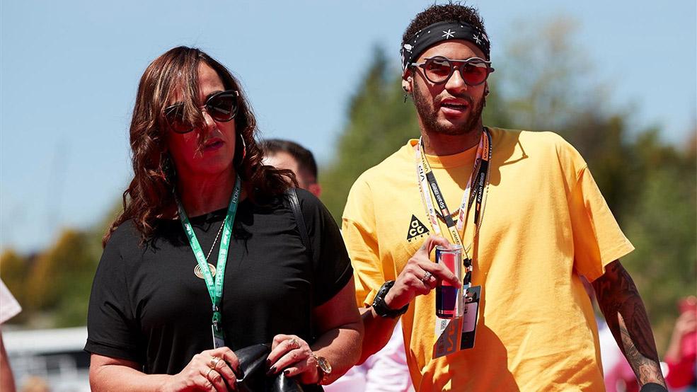 La familia de Neymar ya prepara su desembarco desde Barcelona