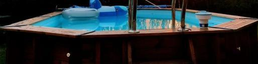 Heridos al derrumbarse la terraza mientras se bañaban en una piscina desmontable