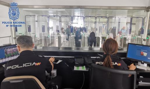 Aumentan a 87 los detenidos por falsedad documental en el aeropuerto de Palma