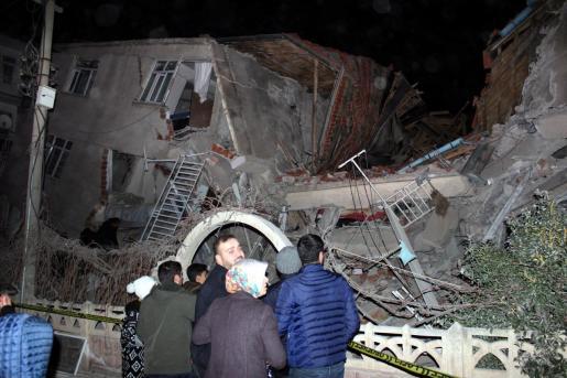 Al menos 29 muertos por el terremoto en Turquía