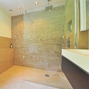 La mejor tienda de baño con los mejores platos para ducha